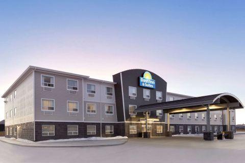 Days Inn & Suites Warman Legends Centre