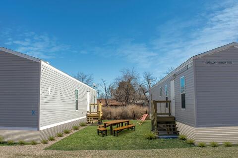 Iron Horse Lodge - Gardendale, Texas